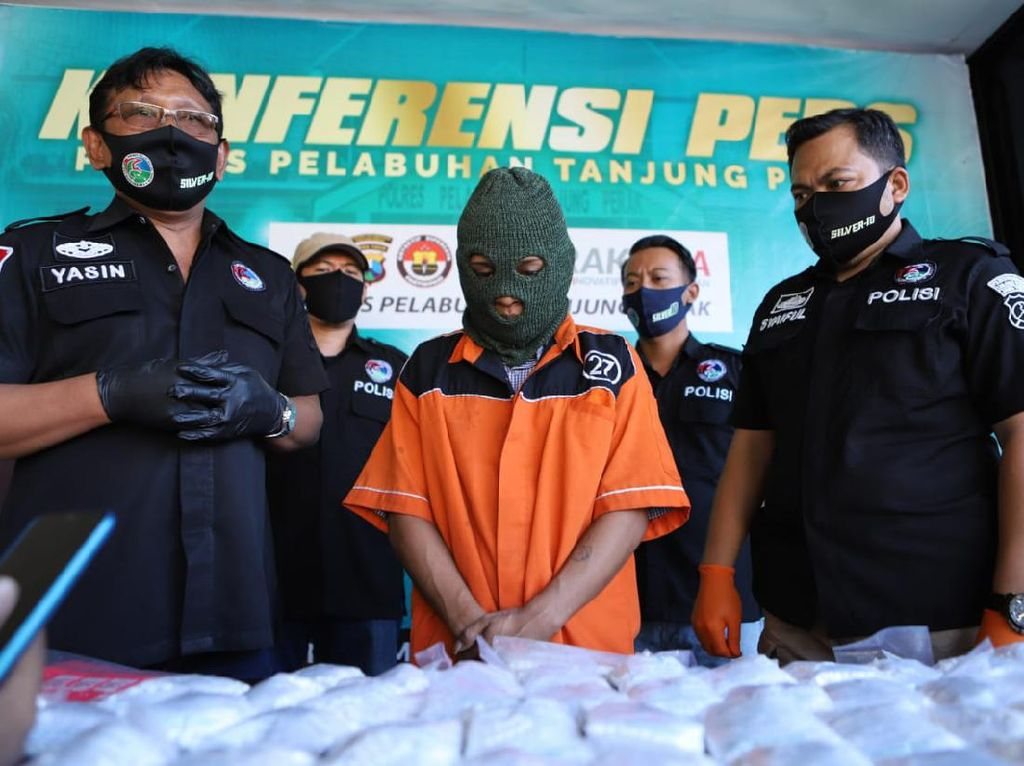 193 Ribu Butir Pil Koplo Diamankan di Surabaya