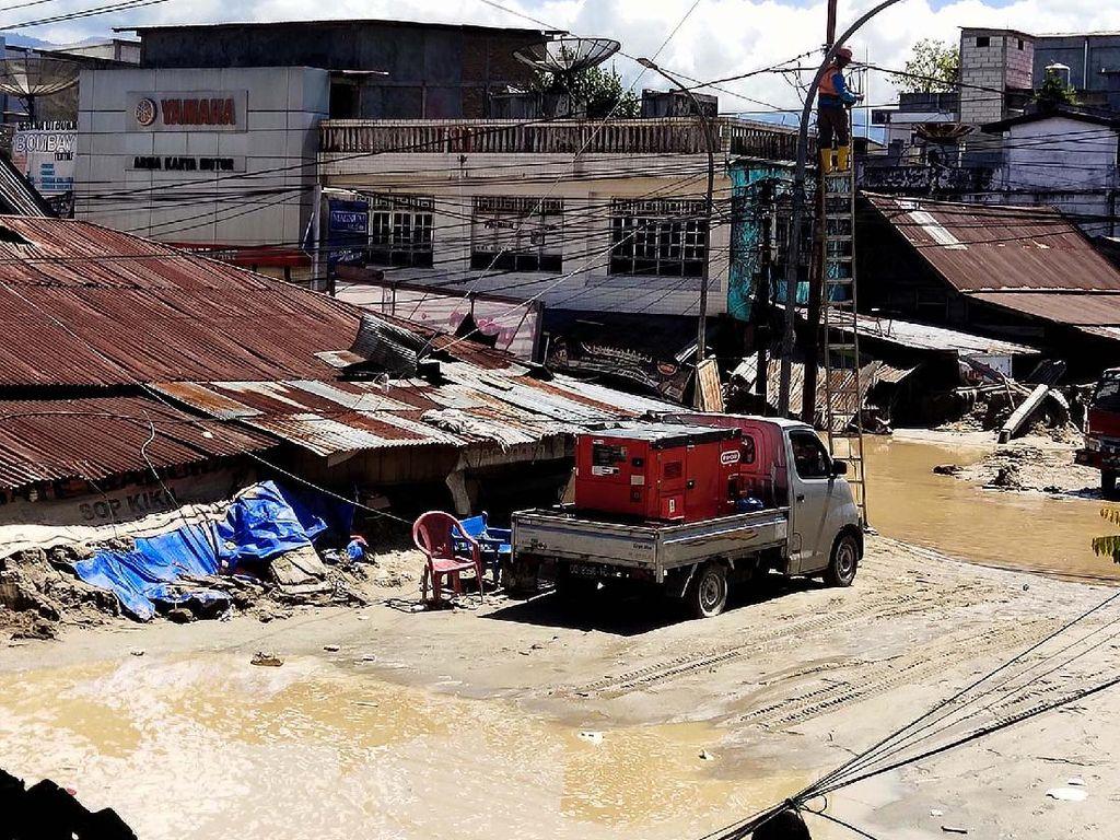 Perbaikan Jaringan Telekomunikasi di Luwu Utara Usai Banjir Bandang