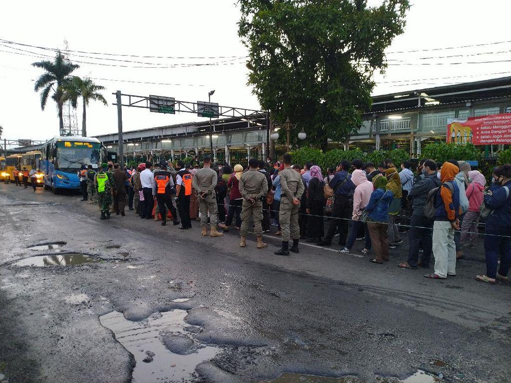 Penumpang Tak Masalah Jika Bus Gratis di Stasiun Bogor Jadi Berbayar