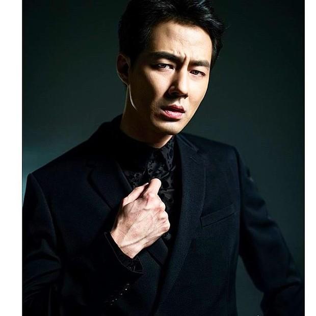 Aktor senior Jo In Sung memperoleh bayaran 80 juta won atau sekitar Rp975 juta untuk satu episode.