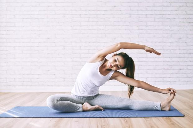 Menjaga mental dan fisik agar tetap semangat yaitu dengan berolahraga
