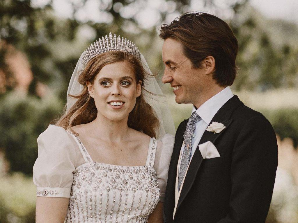 Potret Lengkap Pernikahan Putri Beatrice yang Digelar Diam-diam