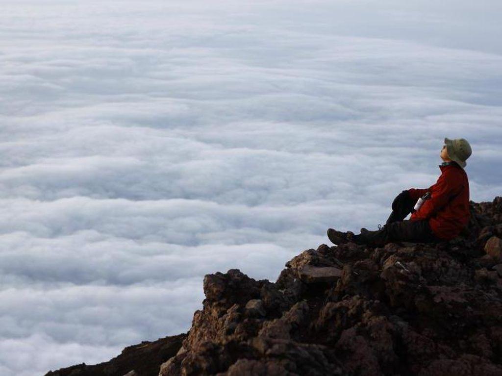 Ini Cerita Perjalanan Menuju Atap Jawa Tengah