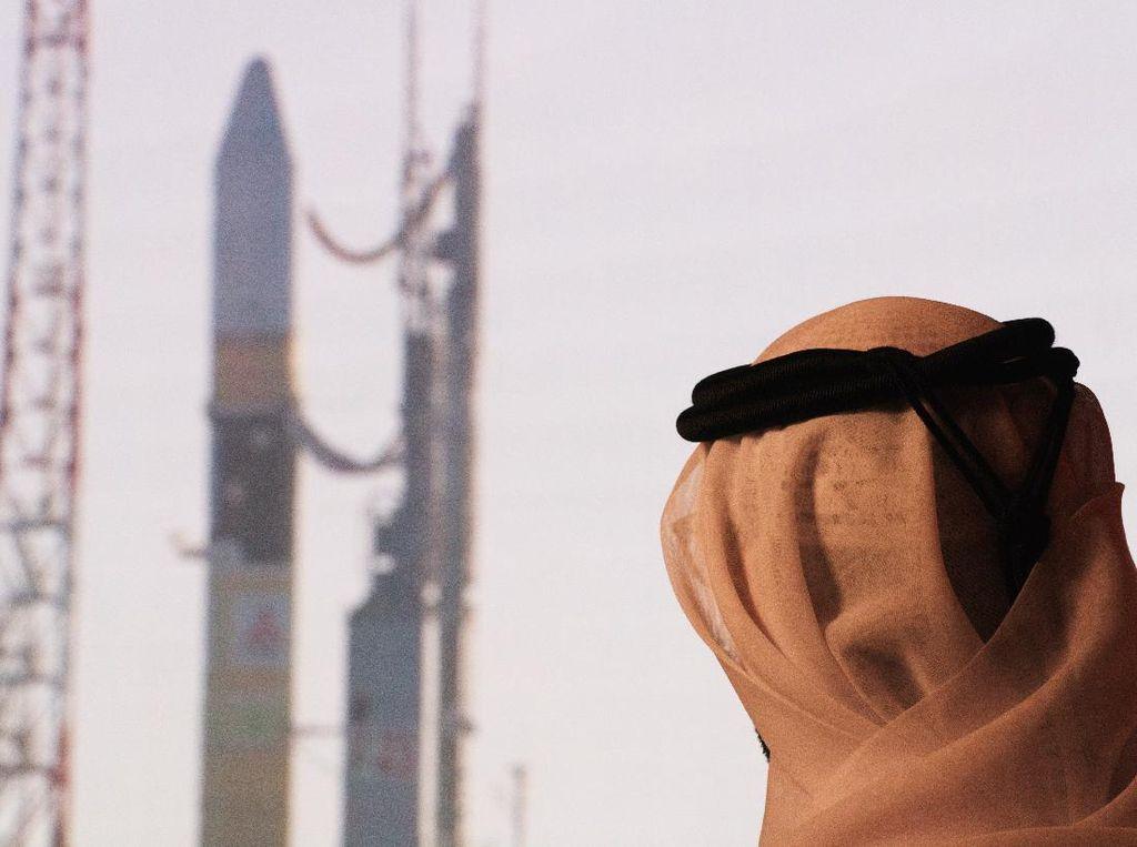 Ambisi UEA Menuju Mars dan Astronautnya yang Yakinkan Bumi Bulat
