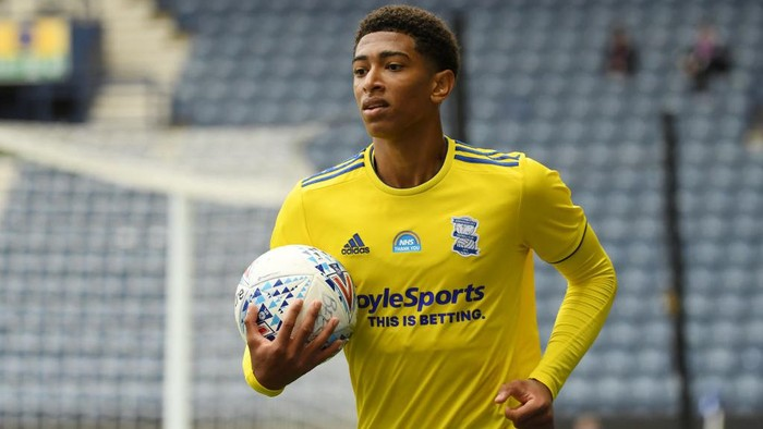 PRESTON, ENGLAND - JULY 18: Jude Bellingham of Birmingham City looks on during the Sky Bet Championship match between Preston North End and Birmingham City at Deepdale on July 18, 2020 in Preston, England. Football Stadiums around Europe remain empty due to the Coronavirus Pandemic as Government social distancing laws prohibit fans inside venues resulting in all fixtures being played behind closed doors. (Photo by Ross Kinnaird/Getty Images)