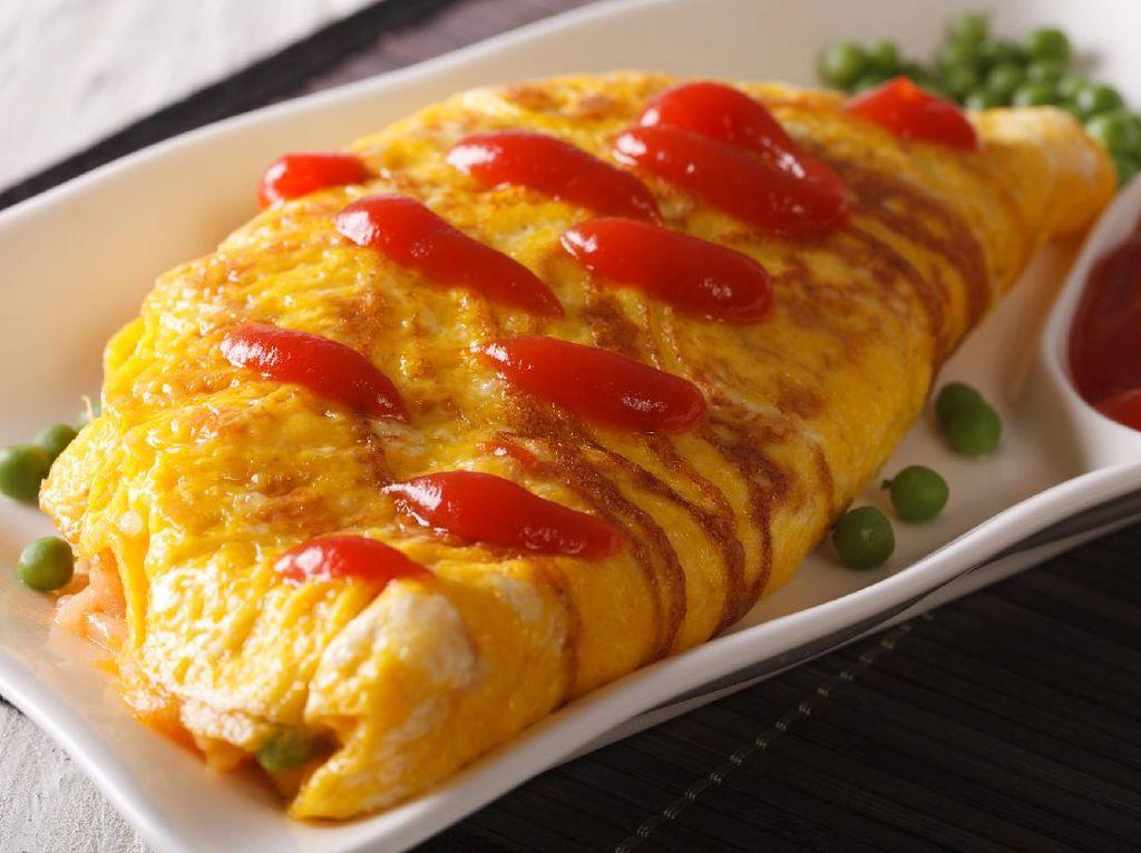 Yuk, Bikin Omurice, Nasi Goreng Selimut Telur ala Jepang Buat Sarapan!