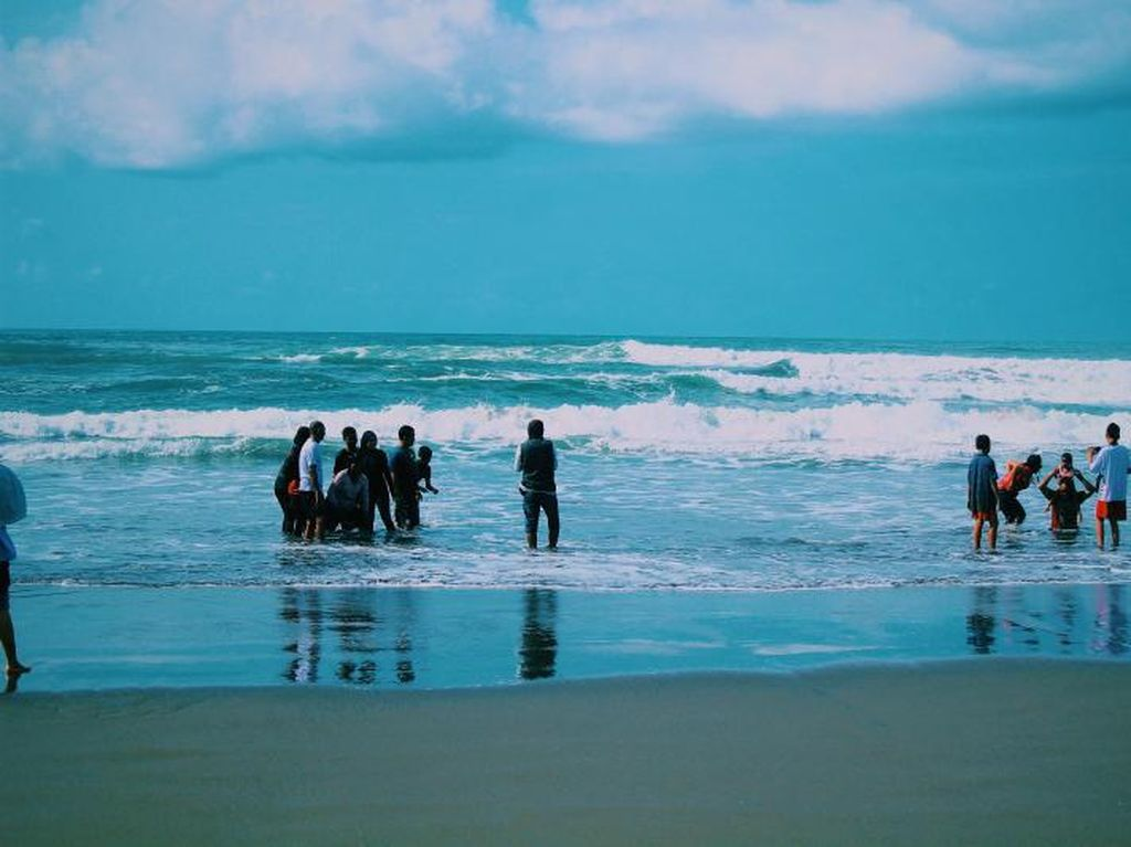 Pantai Parangtritis, Pantai Hits nan Unik di Yogyakarta