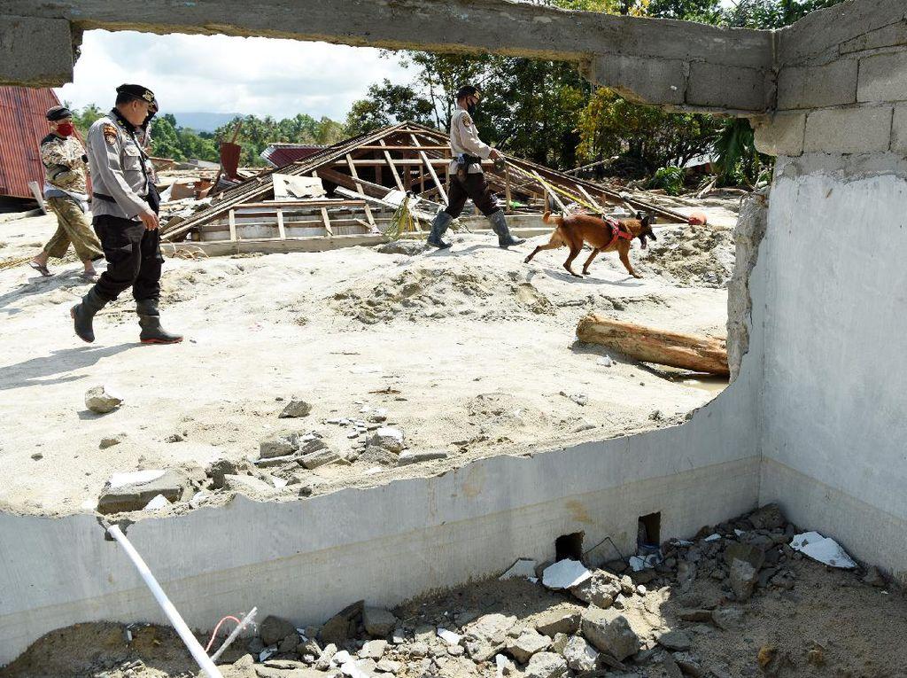 Pencarian Korban Banjir Bandang Luwu Utara Terus Dilakukan
