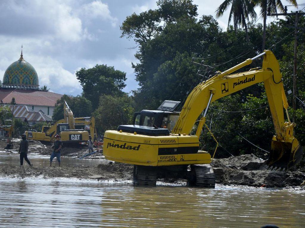 Huntara untuk Korban Banjir Luwu Utara Ditargetkan Rampung Sebulan