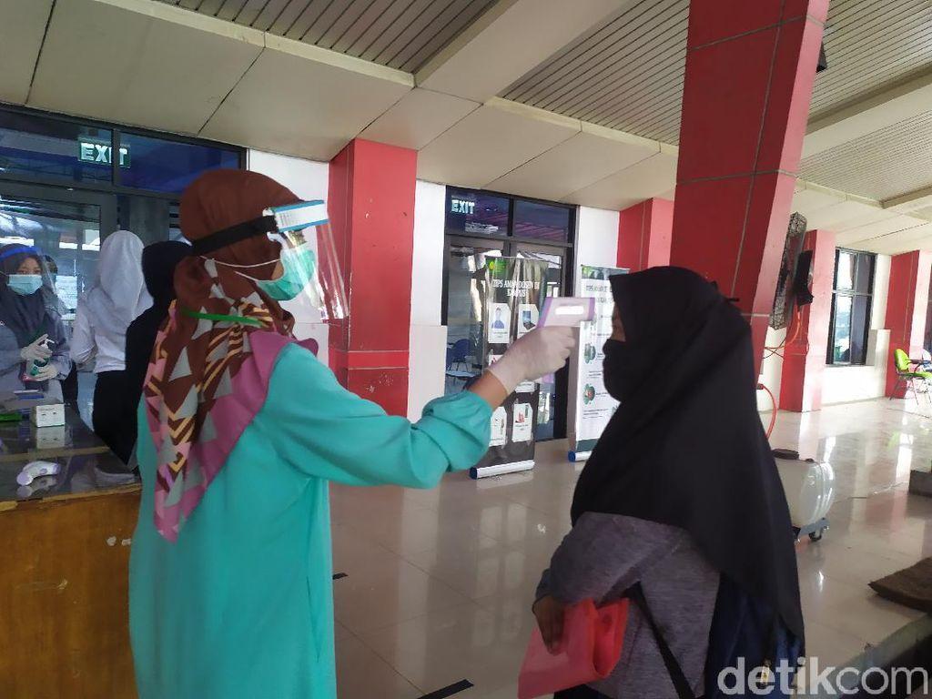 Takut Terlambat, Peserta UTBK Gelombang 2 di UNJ Tiba Sebelum Subuh