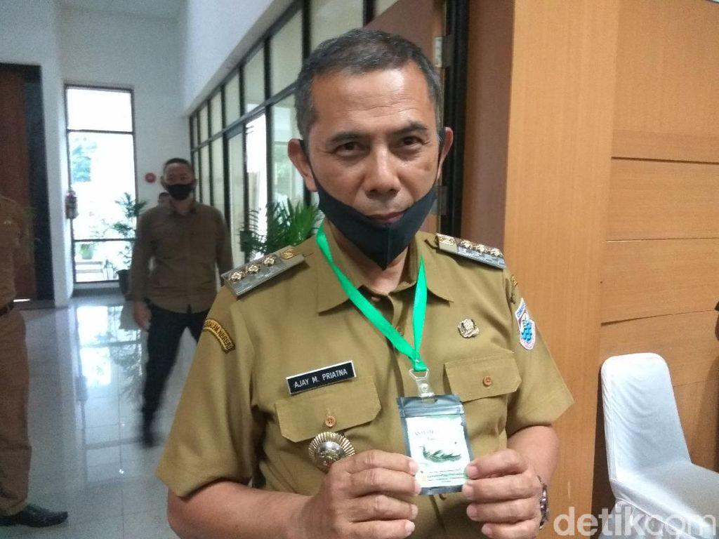 Pakai Kalung Anticorona Kementan, Wali Kota Cimahi: Khasiatnya Ya Percaya