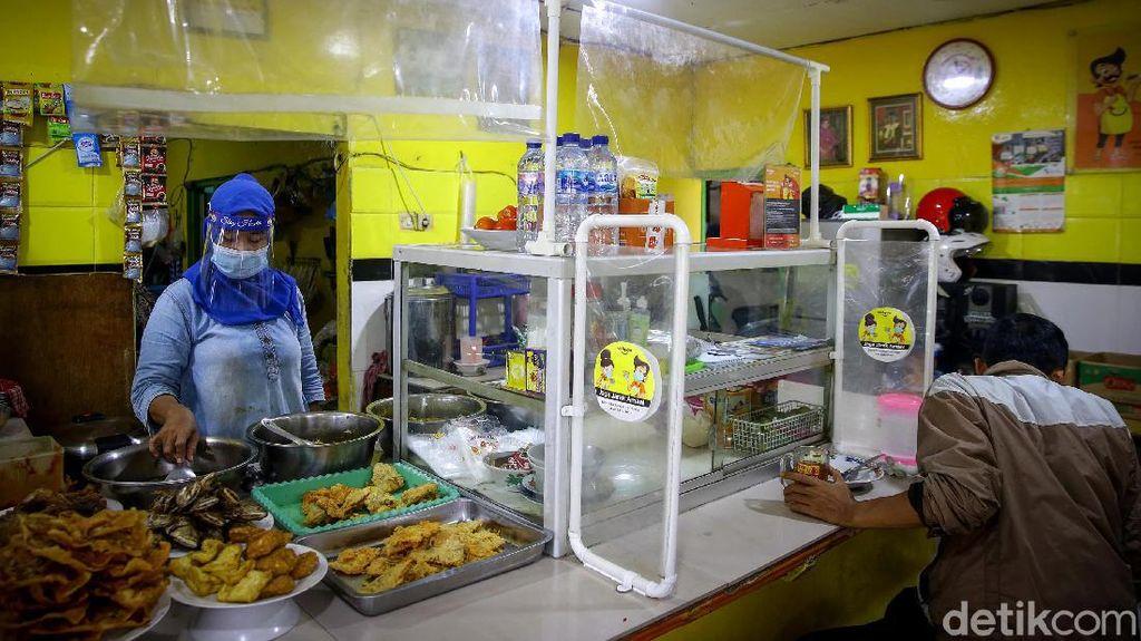 PSBB Diperpanjang, Warteg di Jakarta Perketat Protokol Kesehatan