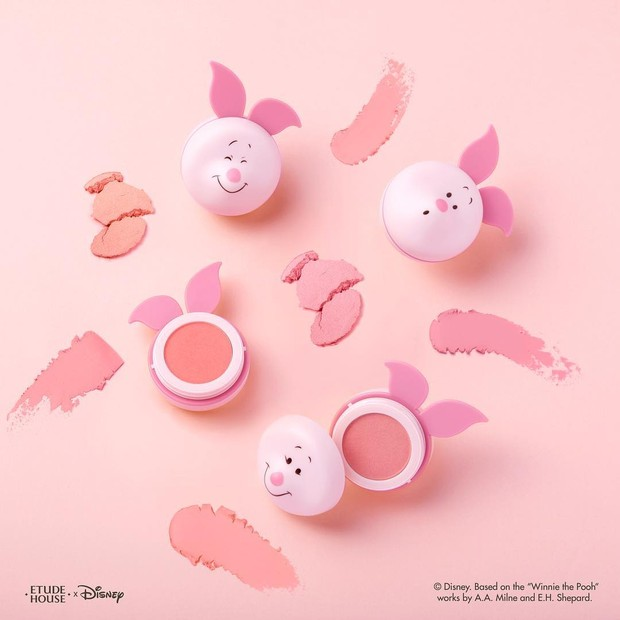 The cushiony jelly mousse blushmake cheeks express milky-white,and lovely as like Piglet.