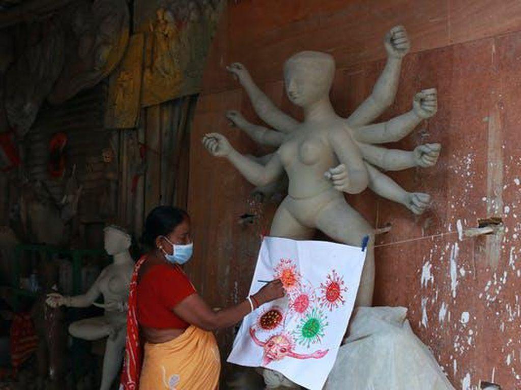 Cuma di India, Penyebab COVID-19 Disembah Sebagai Dewi Corona