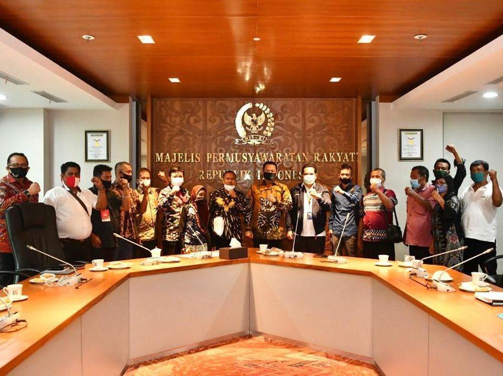 Jalan Kaki ke Jakarta, Petani Deli Serdang Adukan Konflik Tanah ke MPR