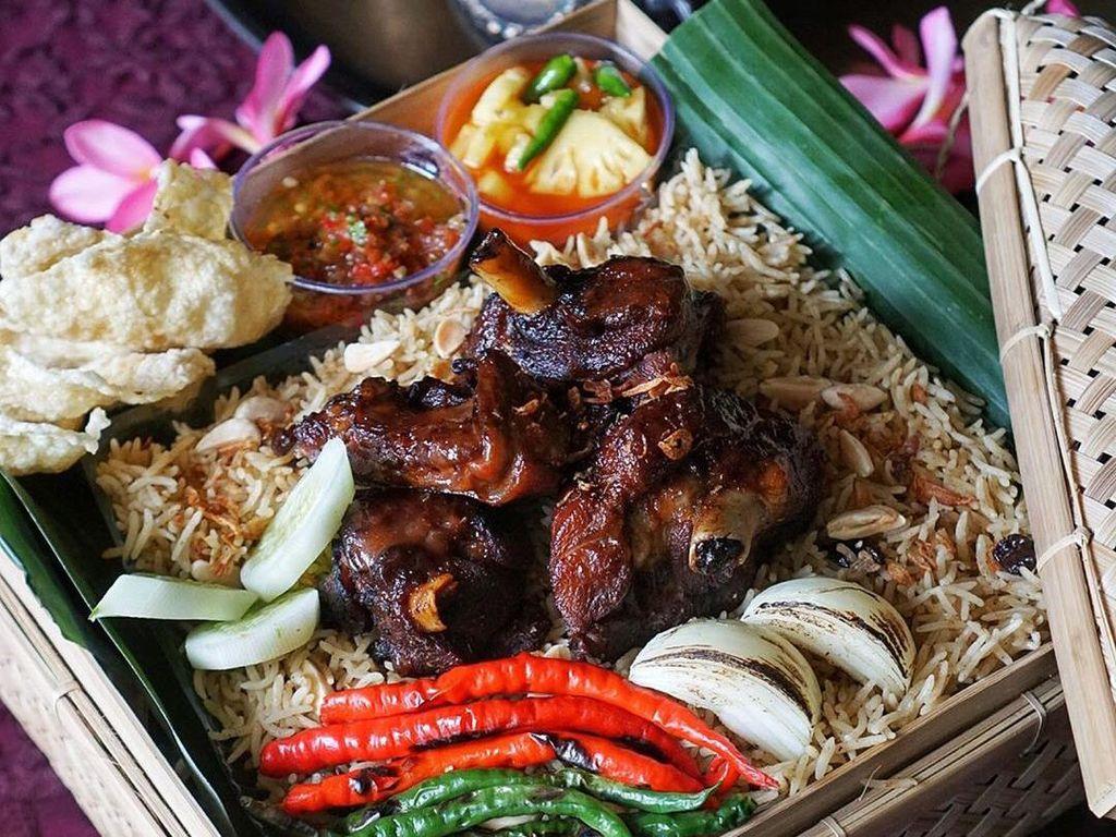 Harus Berdompet Tebal Kalau Mau Makan 5 Nasi Goreng Mewah Ini