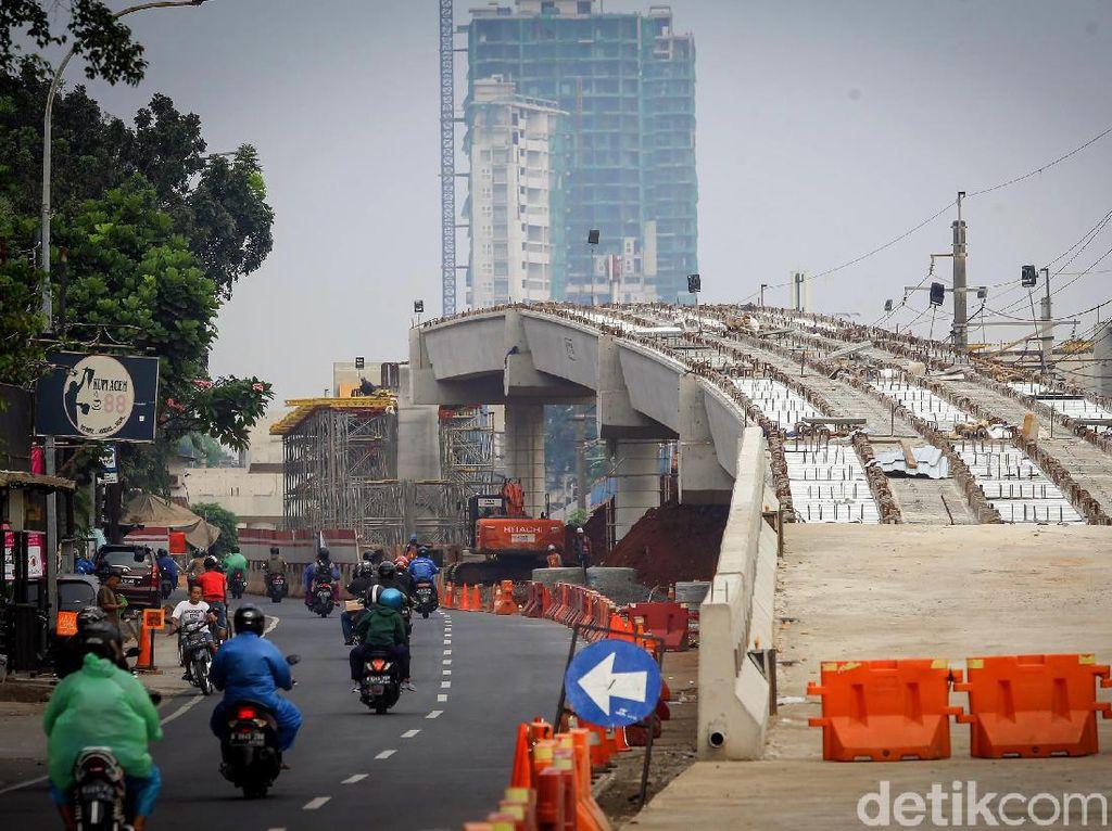 Pembangunan Flyover Tanjung Barat Terus Dikebut