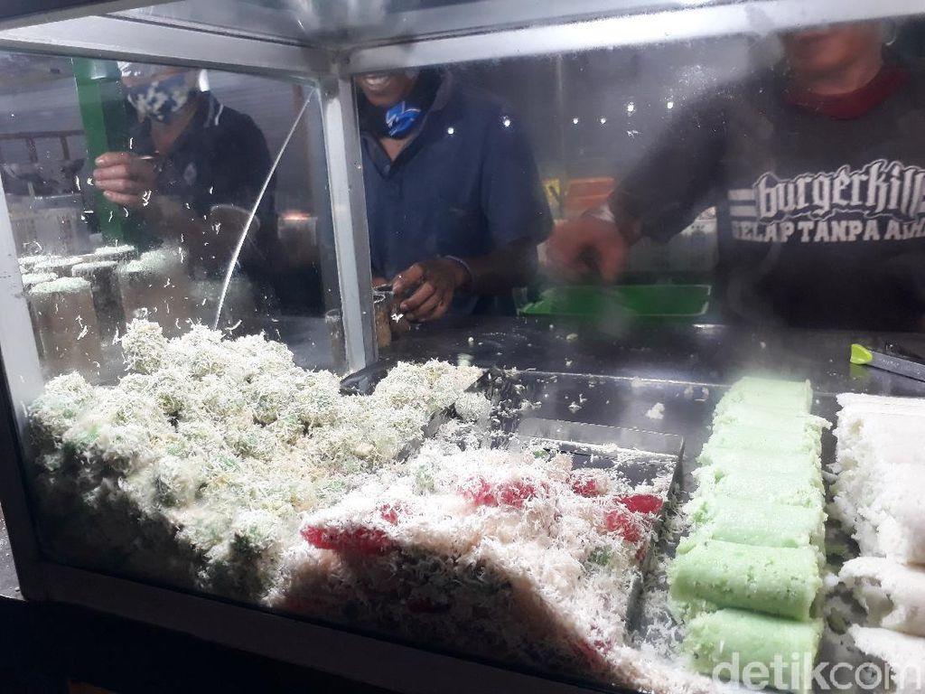 Heboh Klepon Tidak Islami, Penjual di Malioboro Tetap Diserbu Pembeli