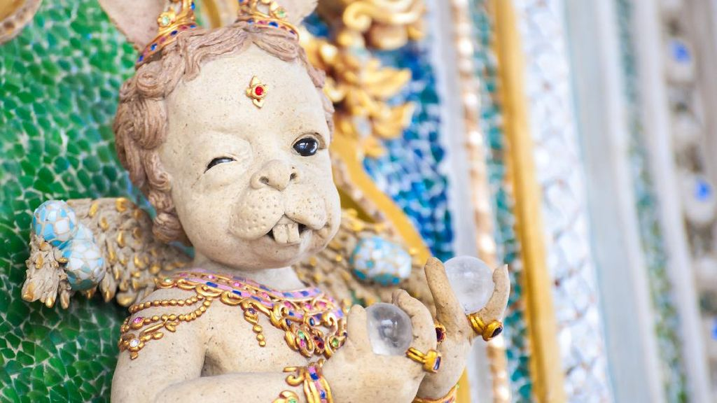 Potret Kuil David Beckham yang Nyentrik di Thailand