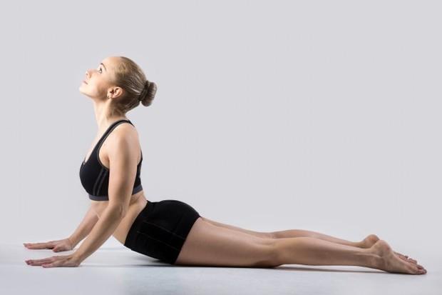 Karena kondisi tulang belakang pada penderita skoliosis sangat rawan cedera, maka gerakan olahraga yang dipilih tidak boleh terlalu keras.