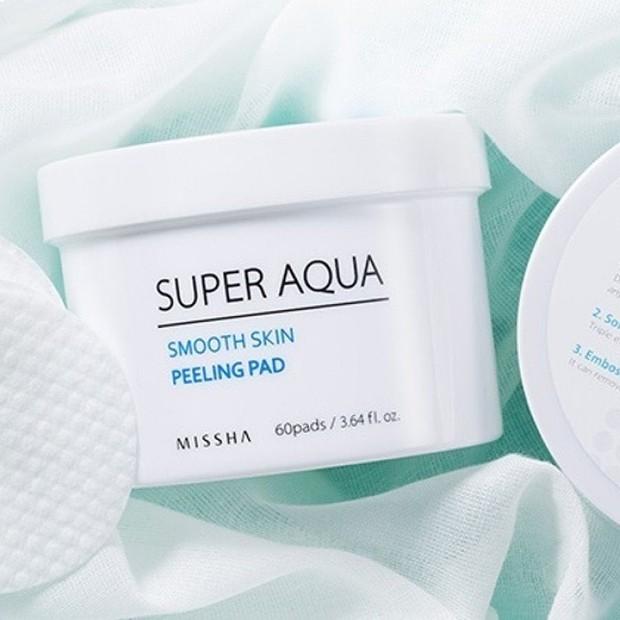 PHA yang merupakan jenis lain dari asam hidroksi alpha merupakan bahan aktif dalam Missha Super Aqua Smooth Skin Peeling Pad.
