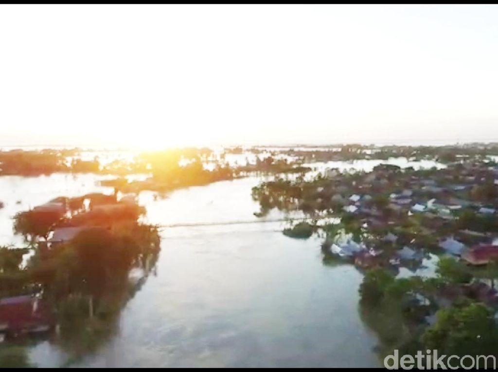 Video Jalan Nasional-Permukiman di Wajo Sulsel Terendam Banjir