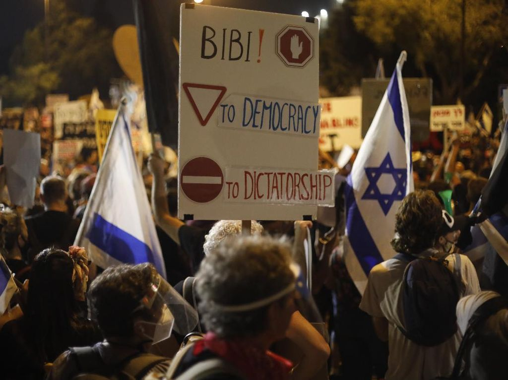 Ribuan Warga Desak PM Israel Mundur terkait Penanganan Corona dan Korupsi