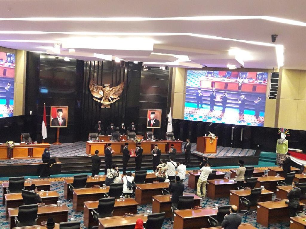 DPRD DKI Gelar Paripurna Penyampaian LPJ APBD 2019