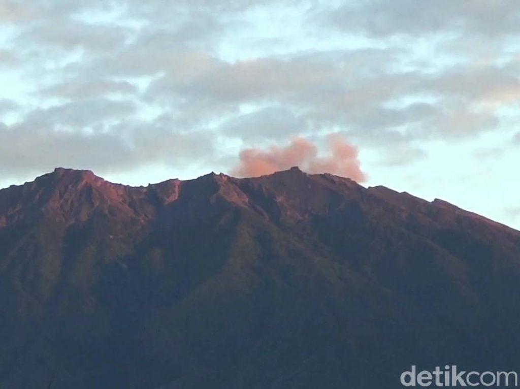 Gunung Raung Bergemuruh, Pos Pantau: Normal Saat Erupsi