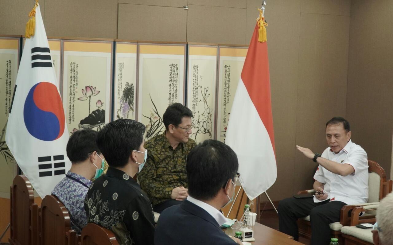 Kedubes Korea dengan PSSI