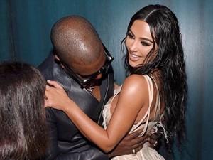 Hitung Kekayaan Keluarga Kardashian, Kim Raup Miliaran Sekali Posting IG