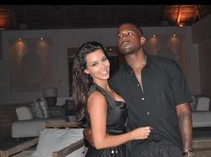 Kim Kardashian Buka Cerita di Balik Lagu Lost in the World dari Kanye West