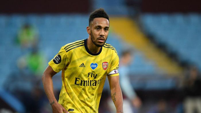 BIRMINGHAM, ENGLAND - JULY 21: Pierre-Emerick Aubameyang of Arsenal looks on during the Premier League match between Aston Villa and Arsenal FC at Villa Park on July 21, 2020 in Birmingham, England. Football Stadiums around Europe remain empty due to the Coronavirus Pandemic as Government social distancing laws prohibit fans inside venues resulting in all fixtures being played behind closed doors. (Photo by Peter Powell/Pool via Getty Images)