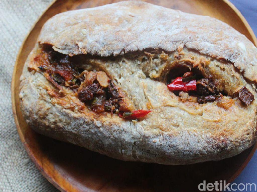 Mengenang Mbah Lindu, Roti Sourdough ini Diisi dengan Gudeg