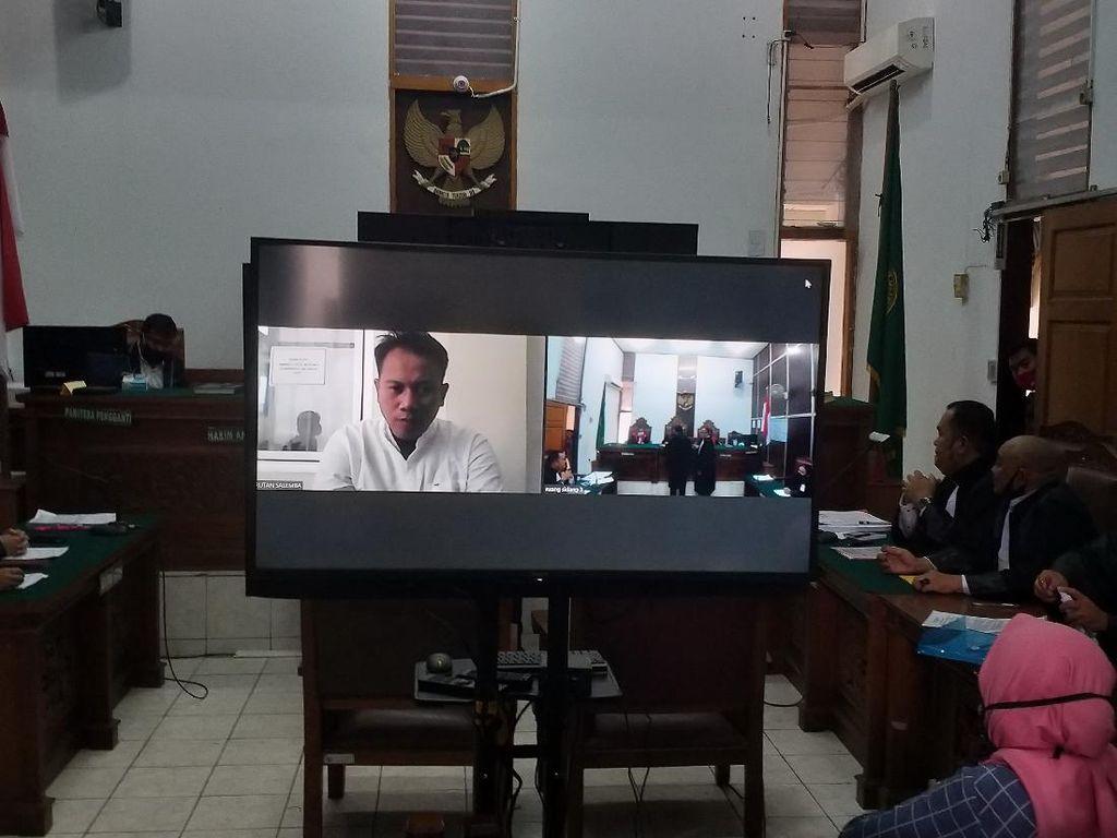 Vicky Prasetyo Didakwa Pasal Berlapis