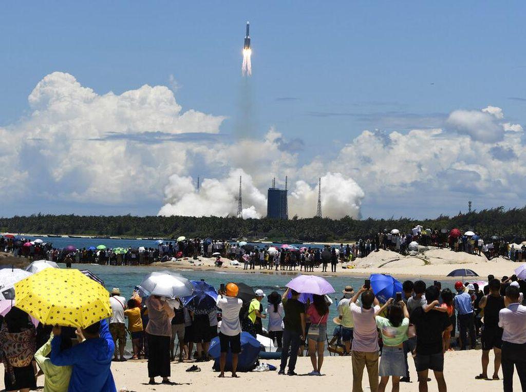 China Meluncur ke Mars, AS Perintahkan Tutup Konsulat China di Houston