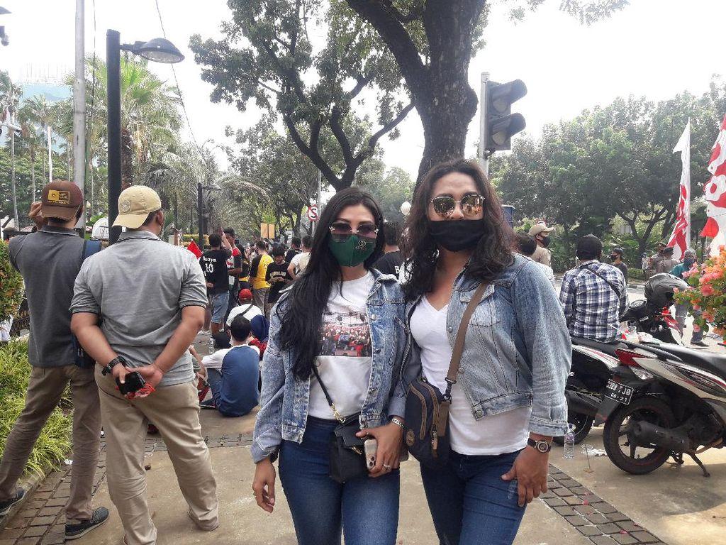Ikut Demo di Balai Kota DKI, Ini Curhat Biduan Dangdut Terdampak Corona