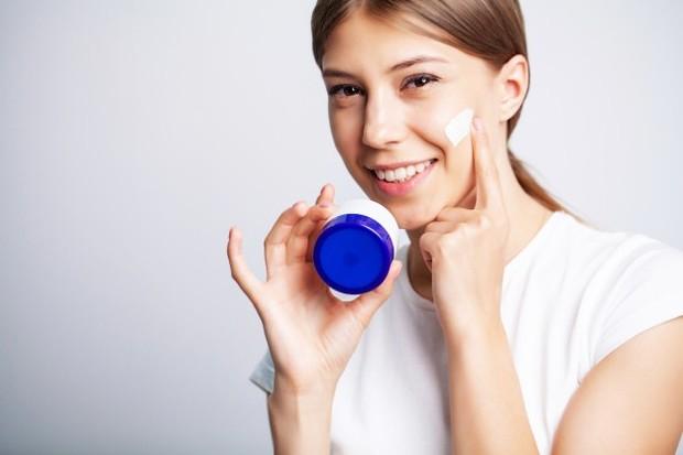 pilih produk menghidrasi kulit