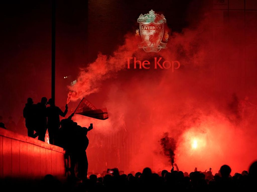 Bikin Rusuh, 9 Suporter Liverpool Ditangkap Saat Rayakan Gelar Juara