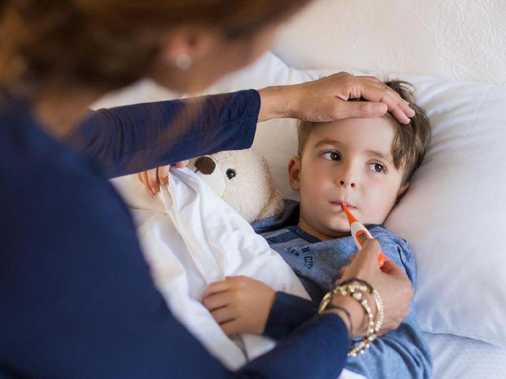 Anak Rentan Alami Batuk-Pilek, Ortu Harus Selalu Sedia Obatnya
