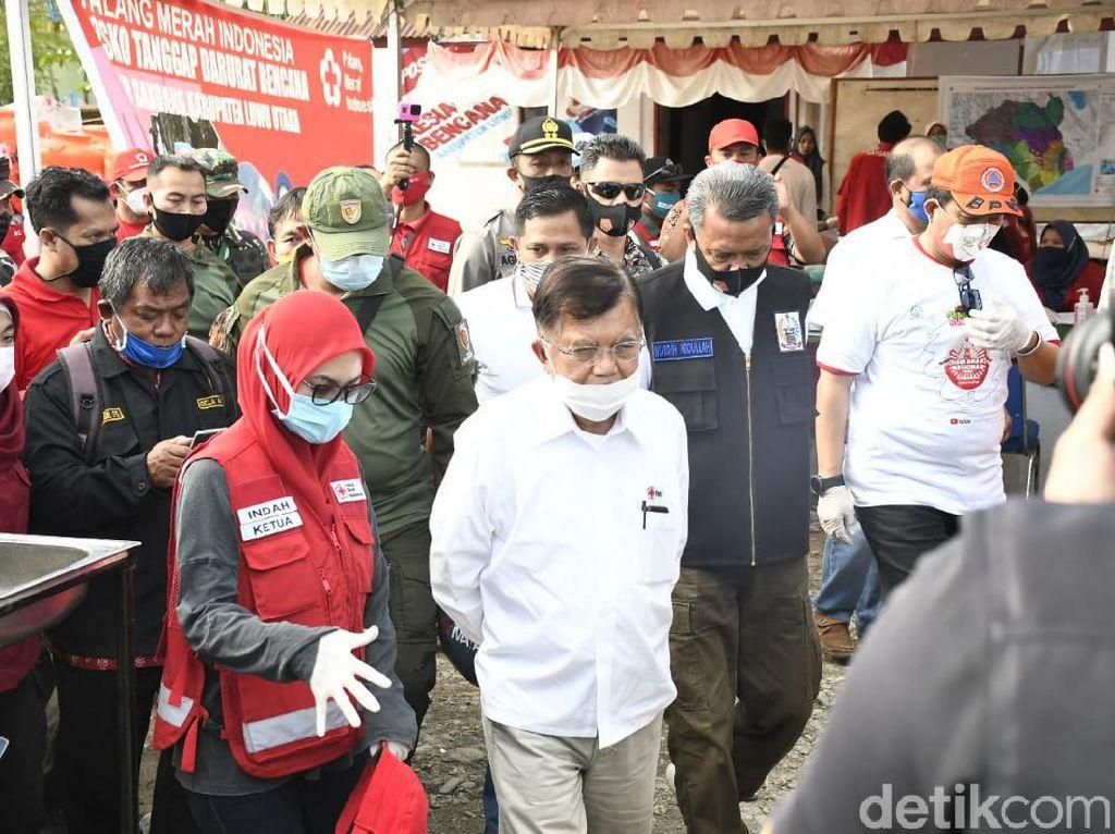 JK Tinjau Masamba Pascabanjir Bandang, Cek Posko PMI-Pembangunan Huntara