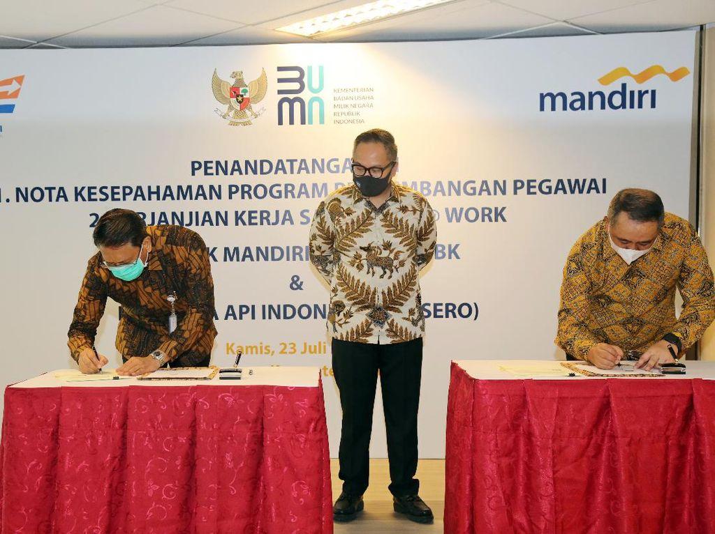 PT KAI Gandeng Bank Mandiri Adakan Program Benefit & Training Pegawai
