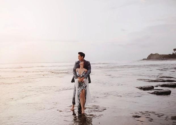 Susan Sameh dan pacara di pantai
