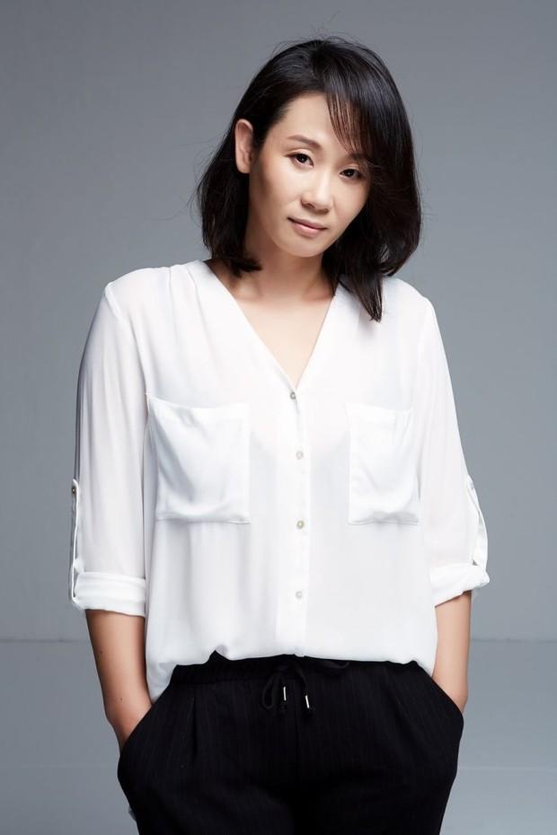 Koleksi foto artis Korea Kim Sun-young yang langganan berperan jadi sosok ibu di banyak drama Korea.