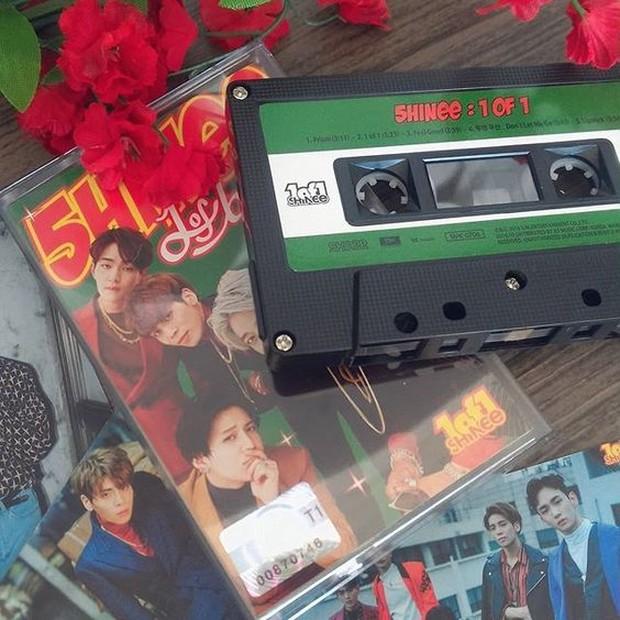 Bentuknya mirip dengan kaset.