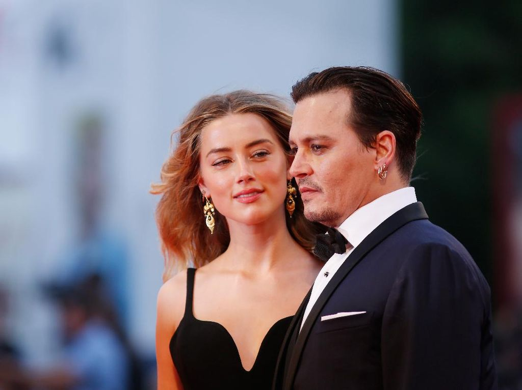 Di Tengah Keributan, Johnny Depp Terungkap Sempat Minta Anak dari Amber Heard