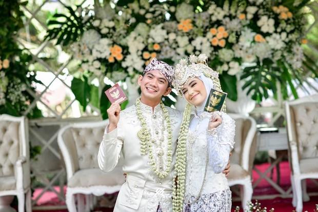 Jalani taaruf singkat, Rizky DA dan Nadya Mustika menikah pada 17 Juli 2020.
