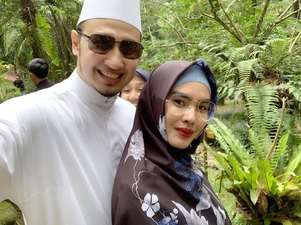 Kartika Putri putuskan untuk jalani taaruf dan menikah dengan Habib Usman Bin Yahya pada tahun 2018
