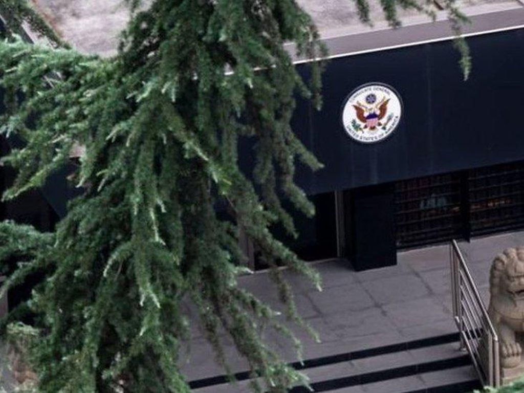 Giliran China Perintahkan Penutupan Konsulat AS di Chengdu