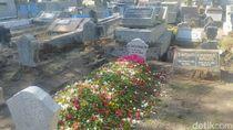 Ibunda La Nyalla Mattalitti Dimakamkan di Dekat Makam Keluarga